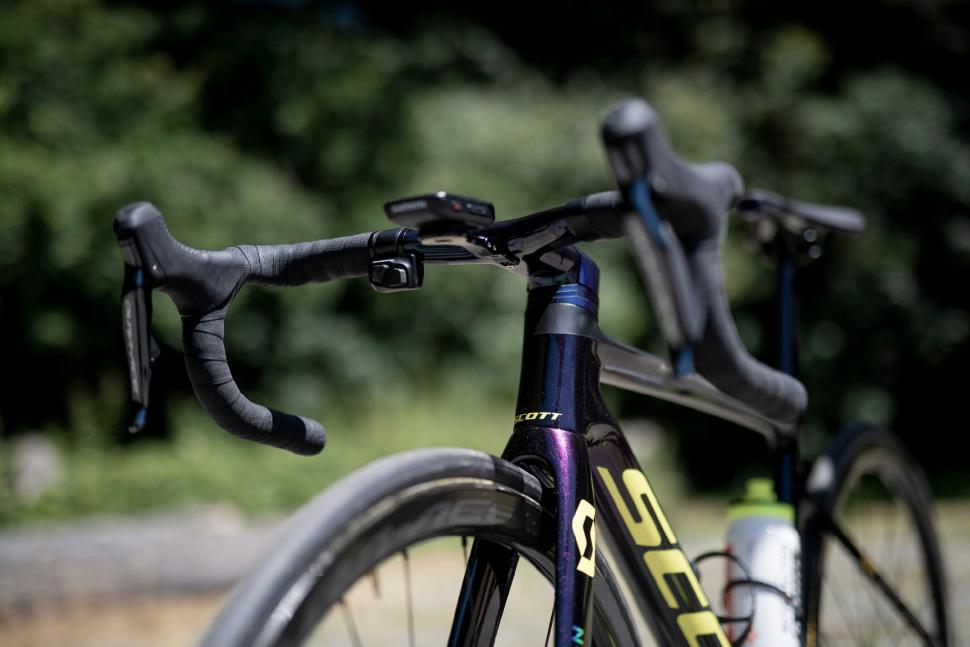 Tour de France 2019 Simon Yates Scott Addict RC - 6.jpg