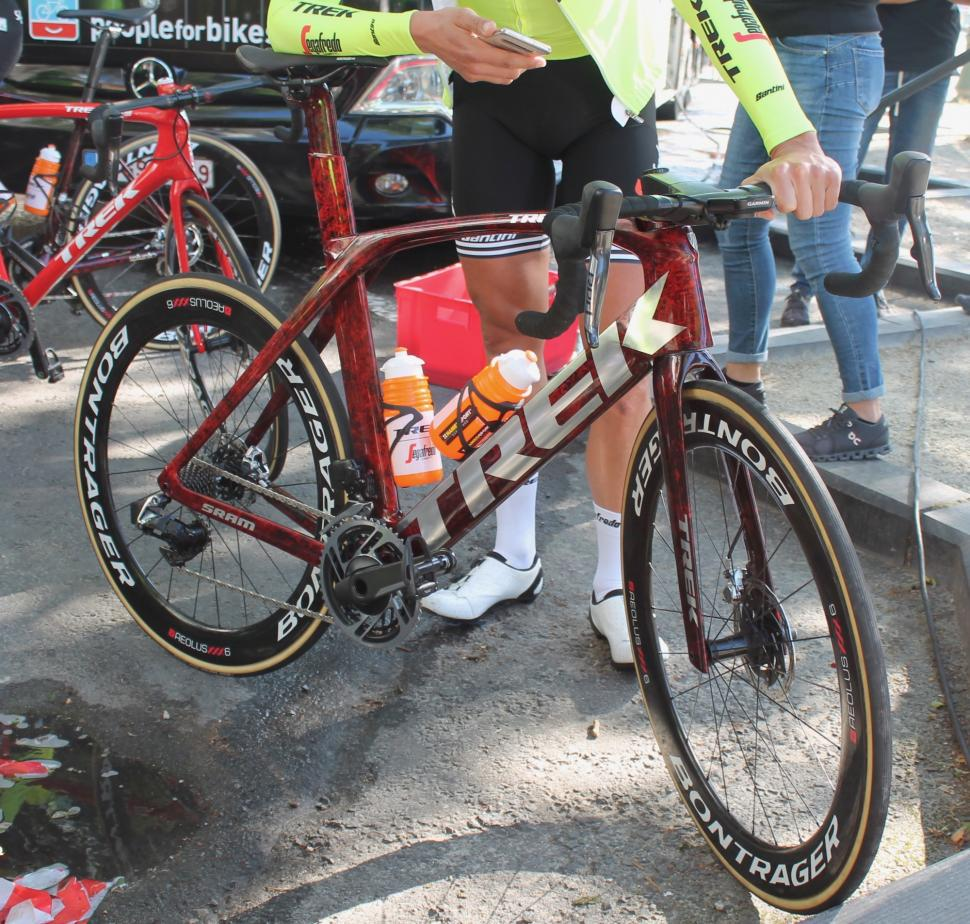 Tour de France 2019 Trek molten marble finish - 1
