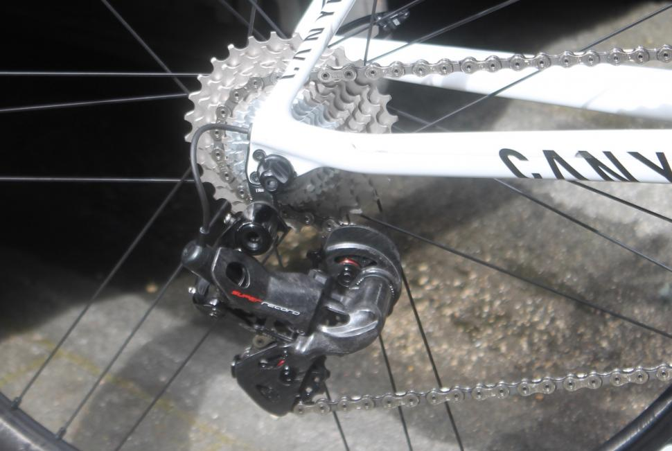 Tour de France 2019 Valverde Canyon Ultimate CF SLX - 14.jpg