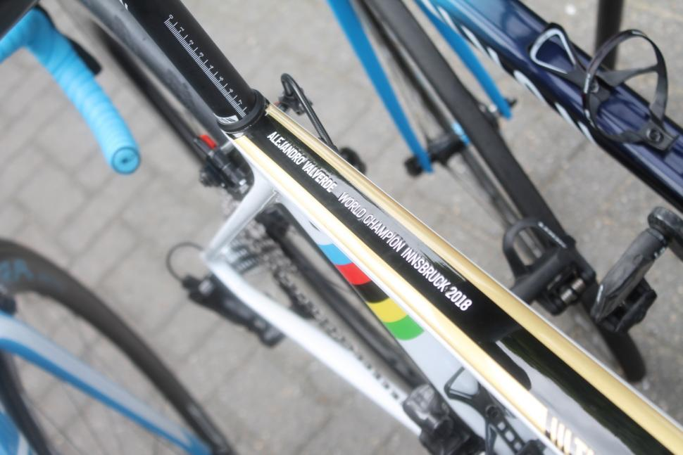 Tour de France 2019 Valverde World Champs stripes - 1 (1).jpg