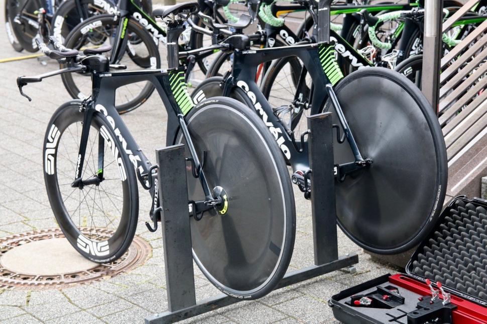 Tour Tech 2017- Dimension Data HED wheels - 1.jpg