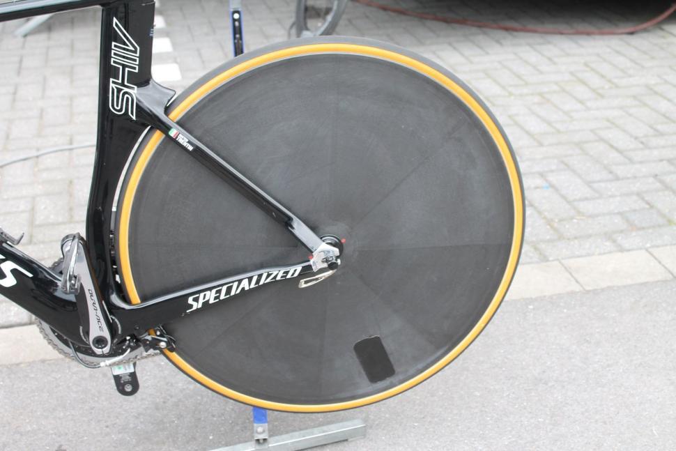 Tour Tech 2017 - Matteo Trentin Shiv Hed rear wheel - 1.jpg
