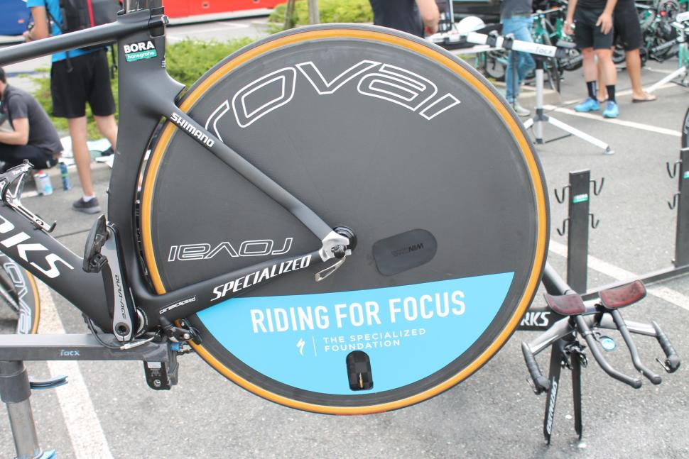 tour_de_france_2018_-_bora_roval_rear_wheel_disc_sticker_-_1.jpg