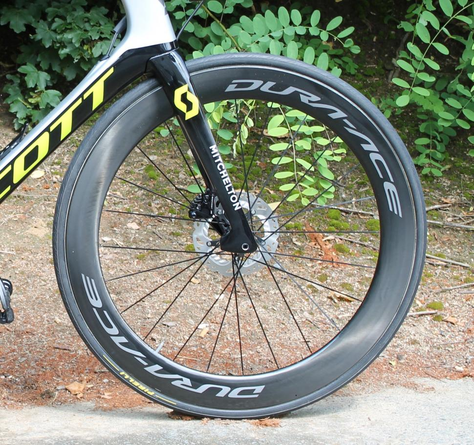 tour_de_france_2018_-_jack_bauer_front_wheel_shimano_dura-ace_-_1