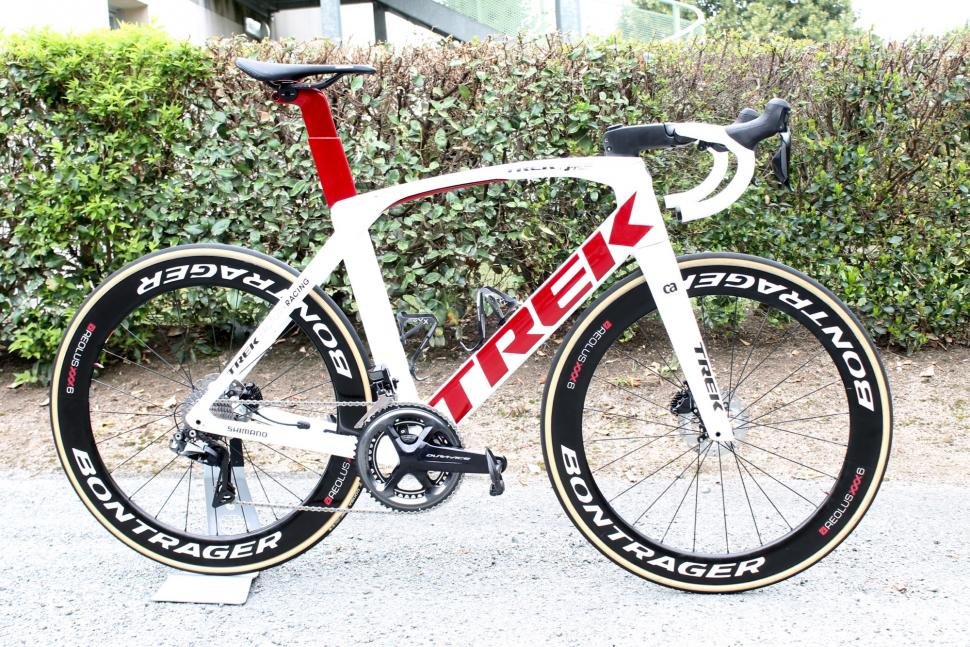 tour_tech_2018_-_trek_segafredo_trek_madone_disc_-_1.jpg