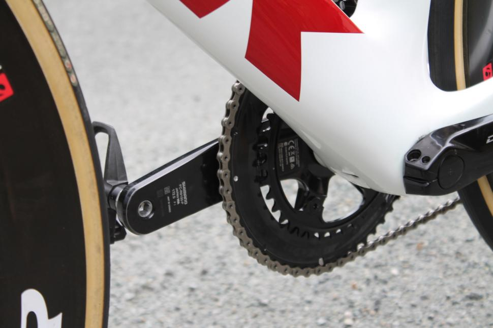 tour_tech_2018_-_trek_segafredo_trek_madone_disc_-_10.jpg