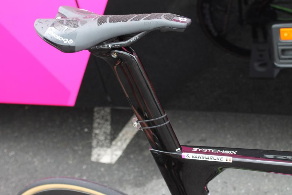 tour_tech_2018_-_vanmarcke_prologo_saddle_-_1.jpg
