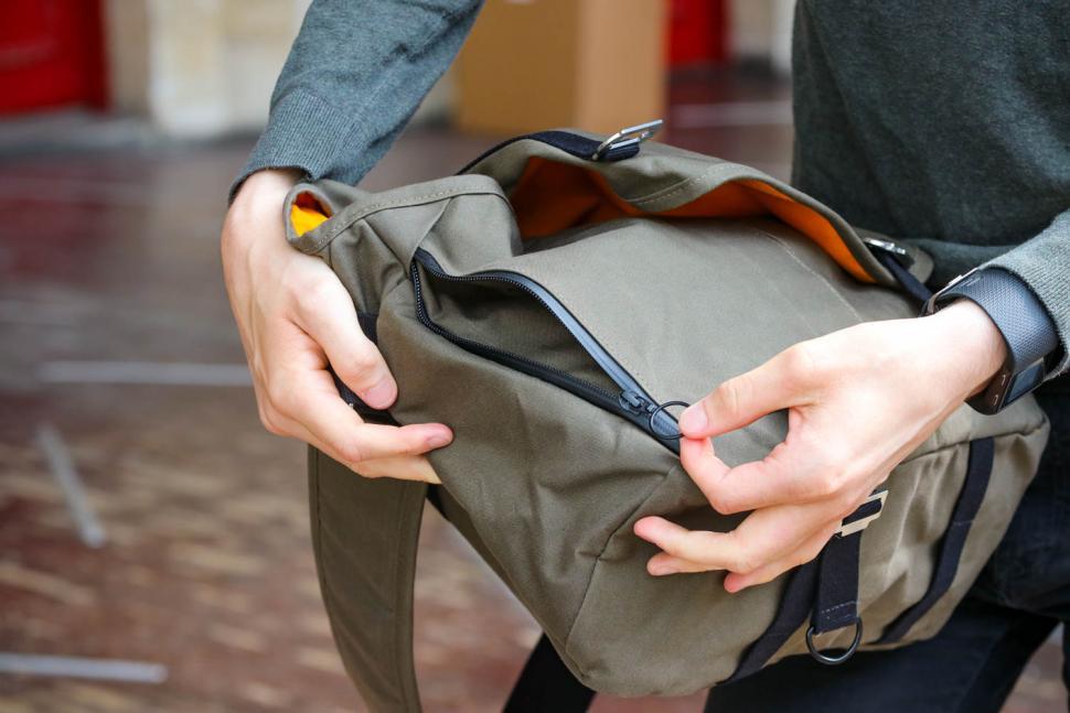 Trakke Wee Lug messenger bag - side zip.jpg