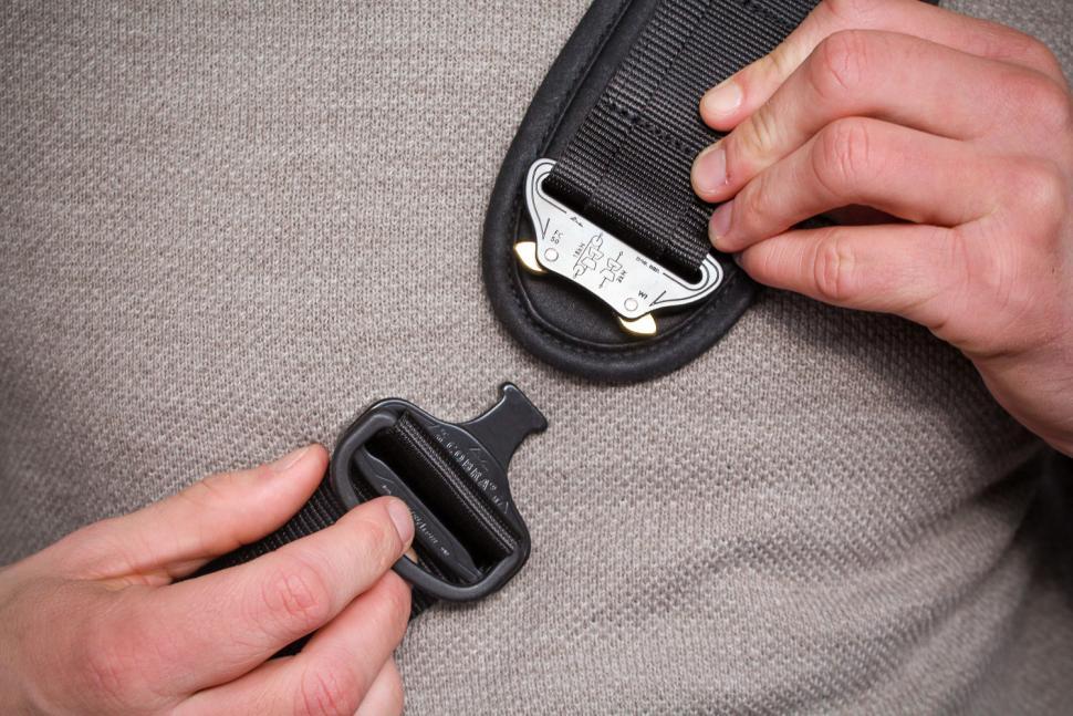 Trakke Wee Lug Mk2 Messenger Bag - clip.jpg