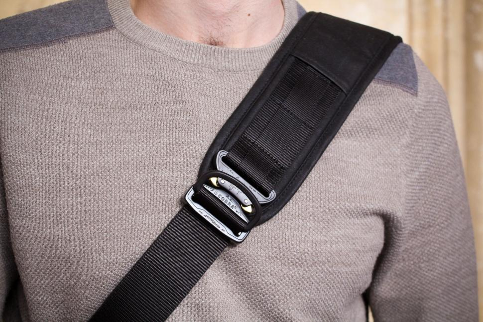Trakke Wee Lug Mk2 Messenger Bag - strap.jpg