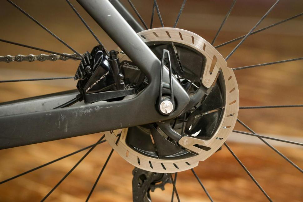 Trek Madone SLR 9 Disc Project One - rear disc brake.jpg