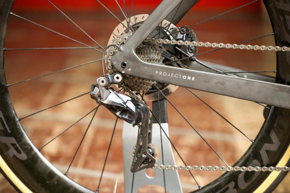Trek Madone SLR 9 Disc Project One - rear mech.jpg