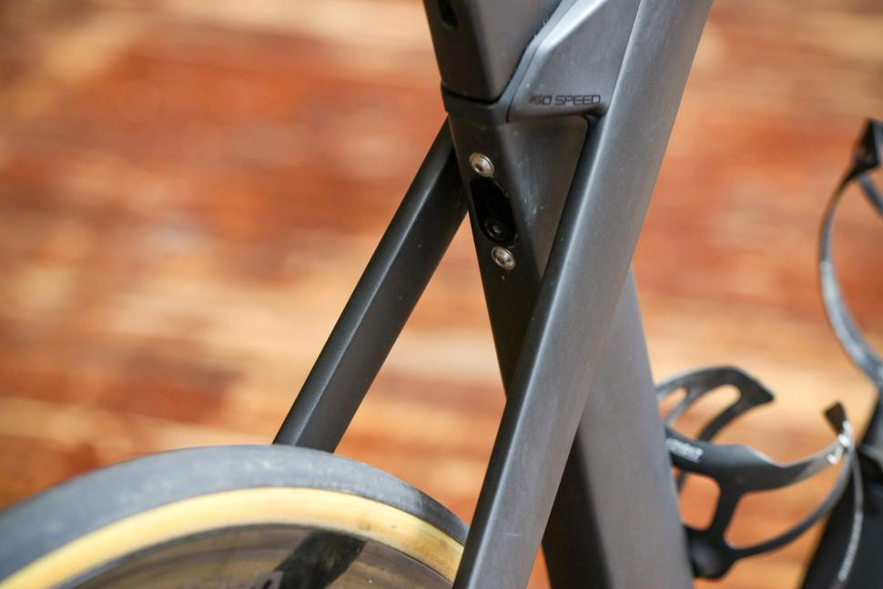 Trek Madone SLR 9 Disc Project One - seat post bolts.jpg