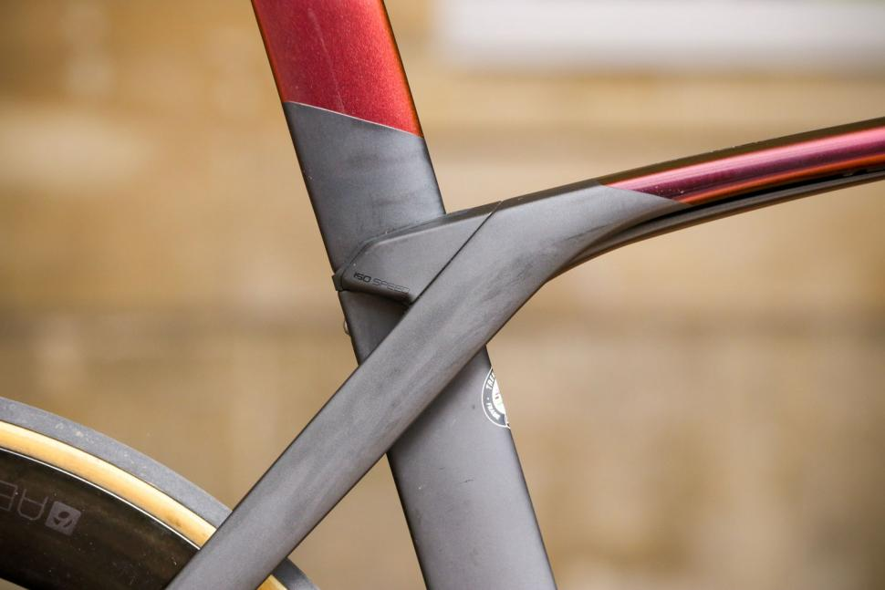 Trek Madone SLR 9 Disc Project One - seat tube junction.jpg