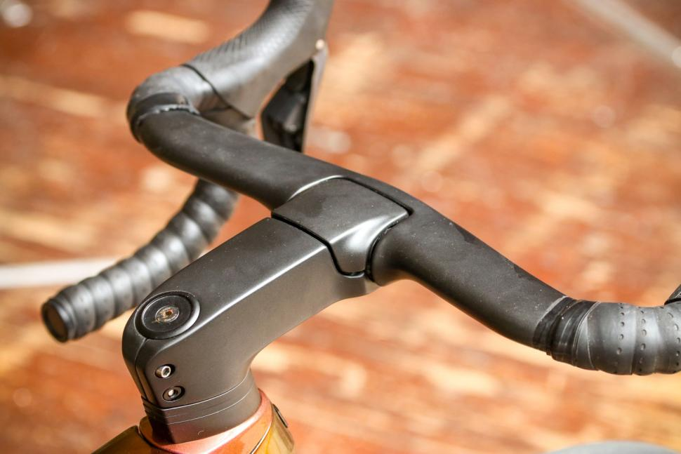 Trek Madone SLR 9 Disc Project One - stem top.jpg