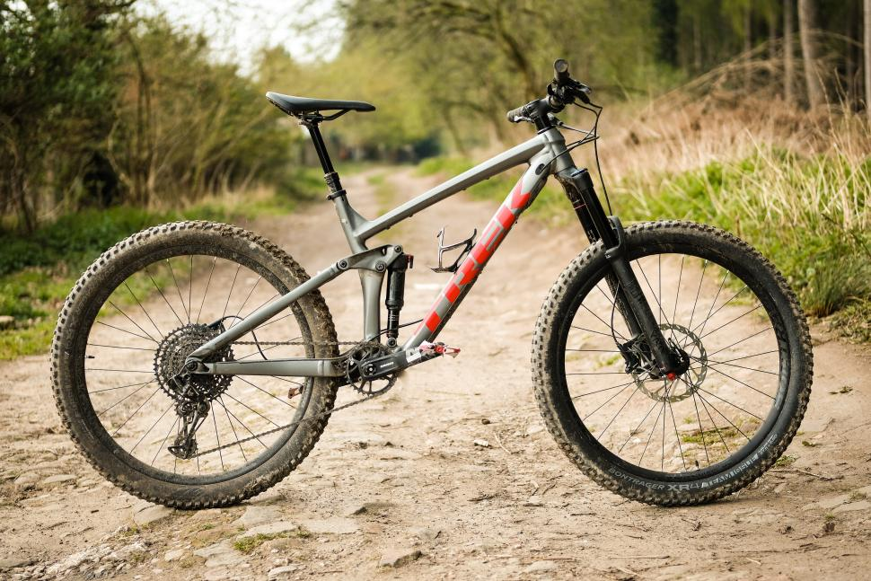 How Do You Know If You Need To Buy A Road Or Mountain Bike?