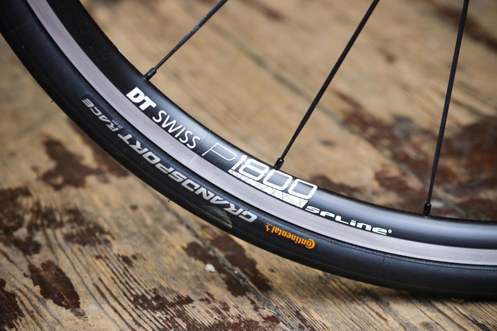 Tresca TCA-1 - rim and tyre.jpg