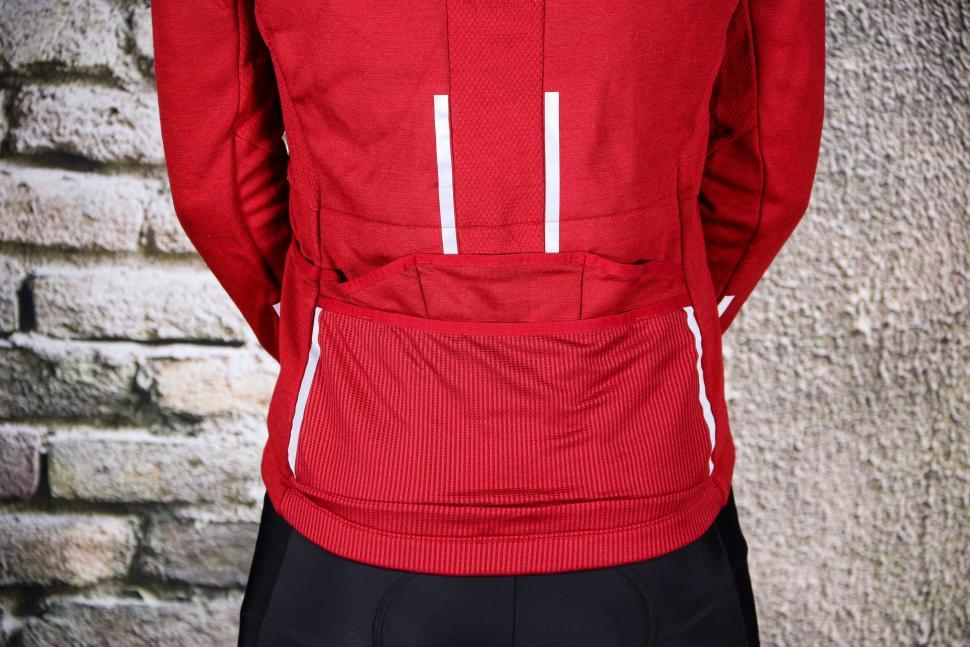 Triban Long Sleeved Merino Top - pockets.jpg