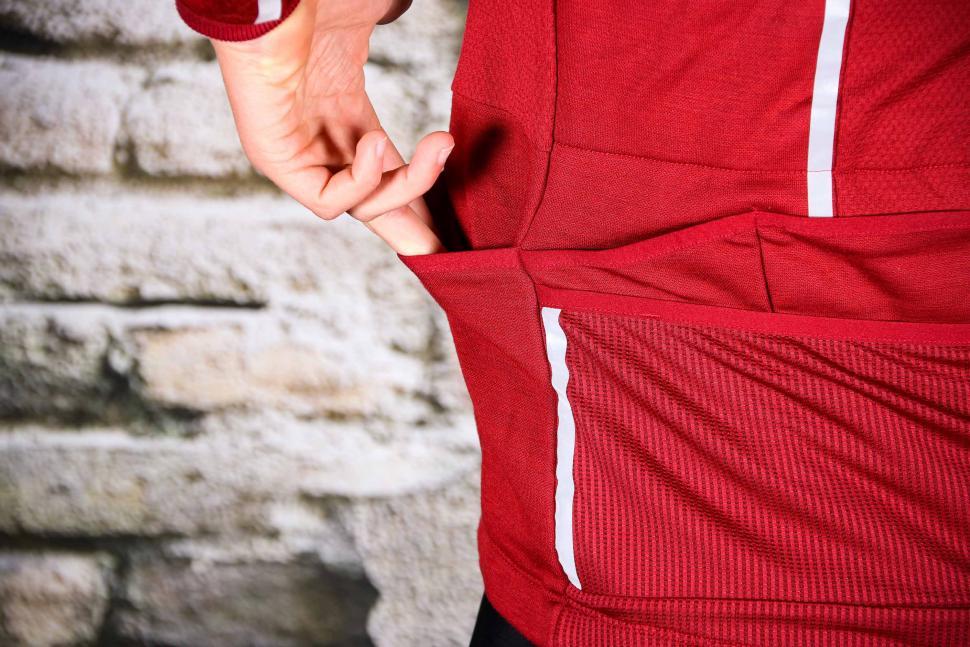 Triban Long Sleeved Merino Top - side pocket.jpg