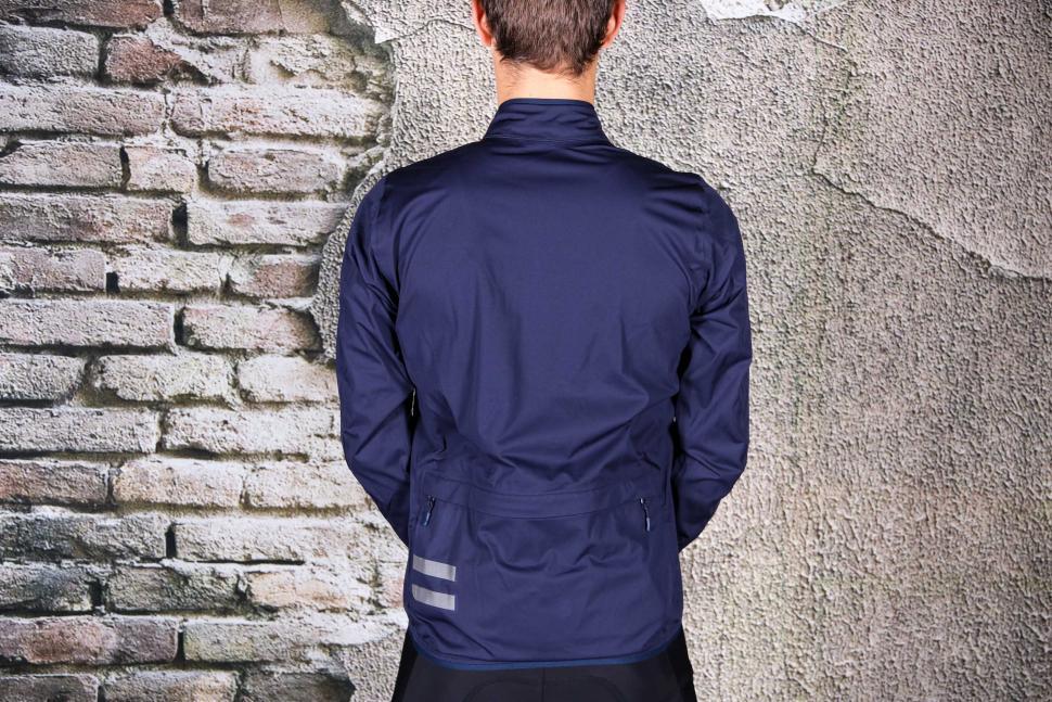 Triban Rainproof Jacket RC500 - back.jpg