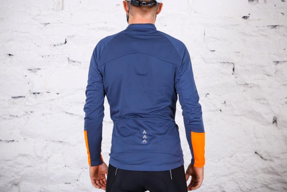 Triban RC 100 long Sleeved Cycling Top - back.jpg