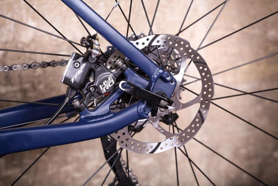 Triban RC 520 - rear disc brake.jpg