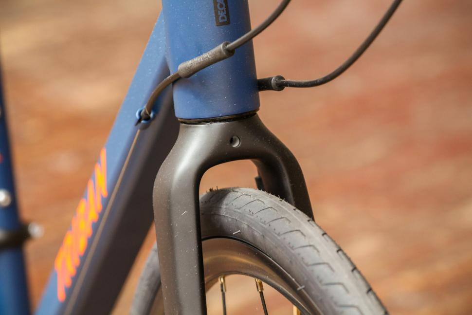 Triban RC120 Disc road bike - clearance.jpg