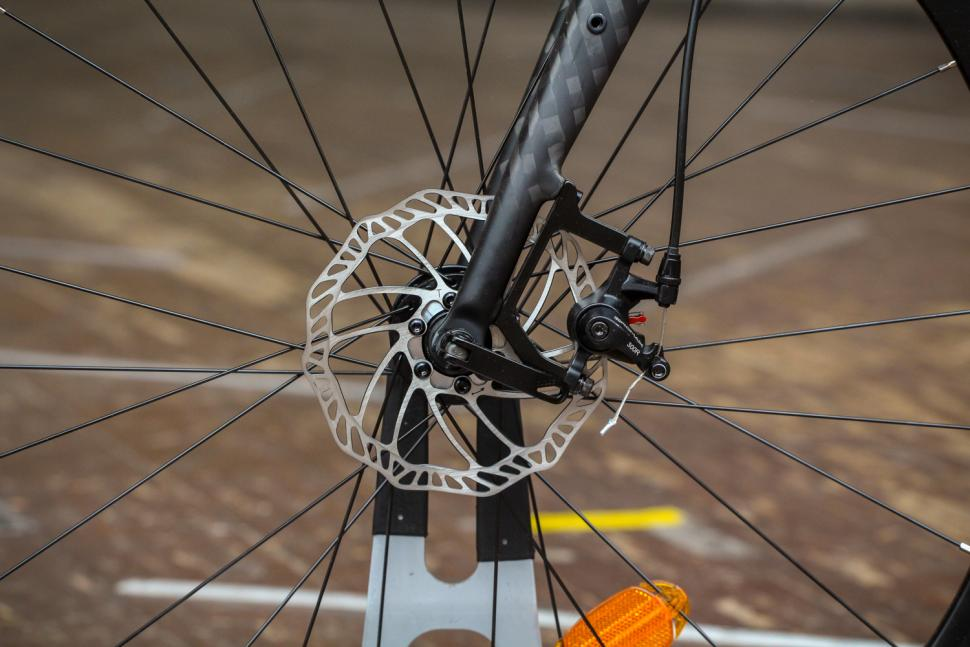 Triban RC120 Disc road bike - front disc brake.jpg