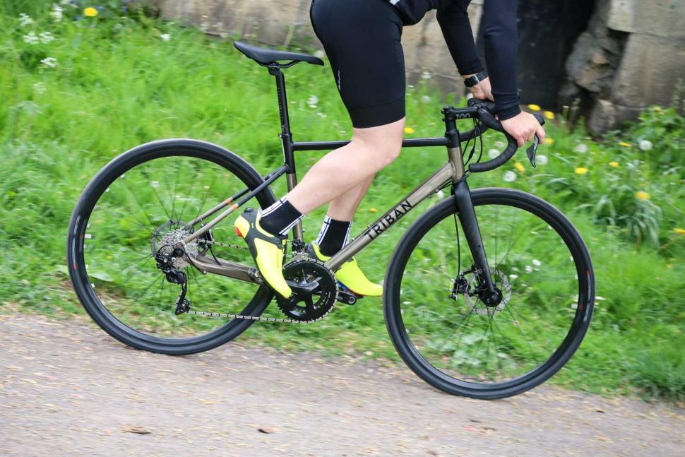 Triban RC520 Gravel - riding 3.jpg