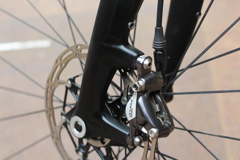 Trp Carbon Cyclocross Fork - disc mount.jpg