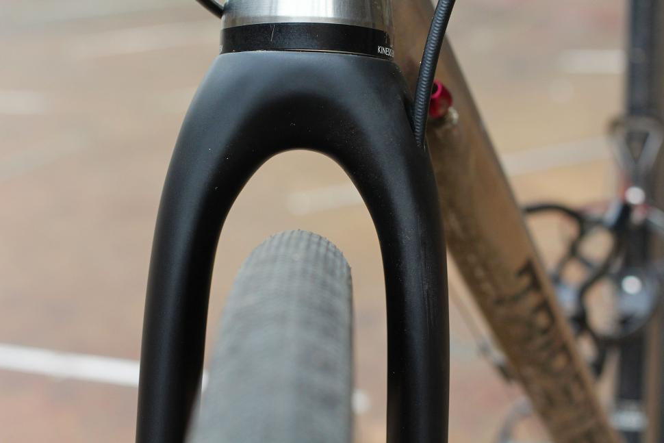 Trp Carbon Cyclocross Fork - tyre clearance.jpg