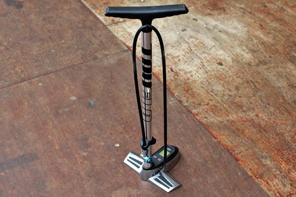 Truflo Digitrack track pump.jpg