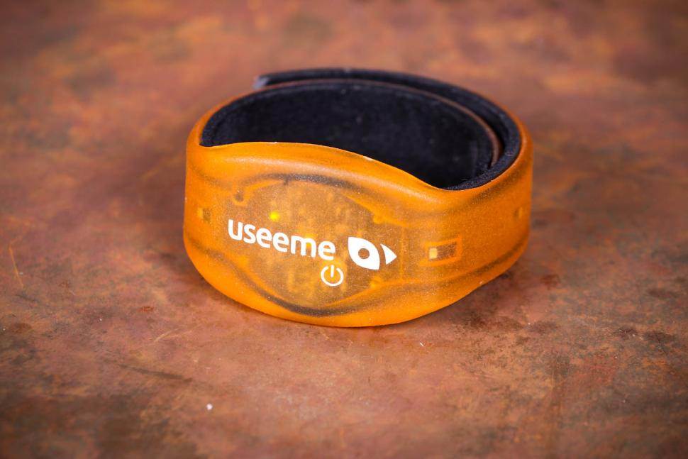Review: Useeme Bicycle Indicator Wristbands | road cc