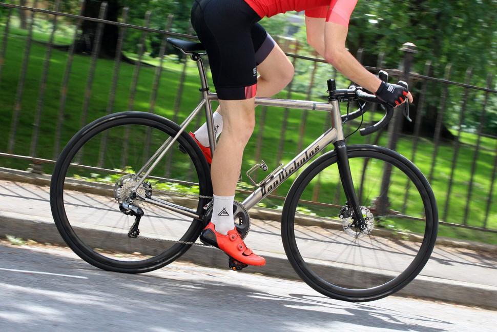 Van Nicholas Skeiron - riding 1.jpg
