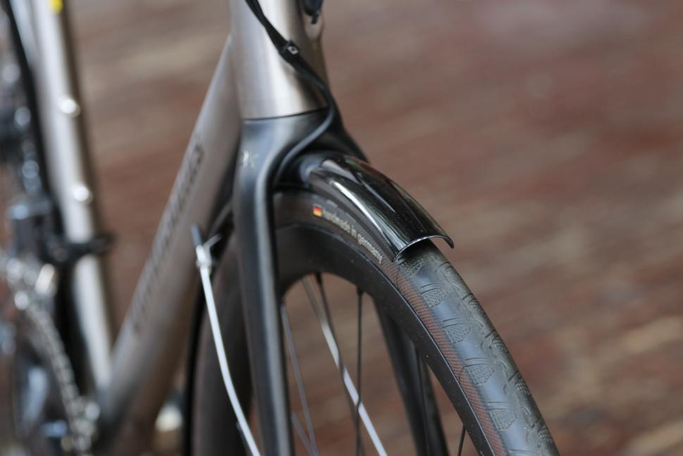 Van Nicholas Yukon Disc - front mudguard detail.jpg