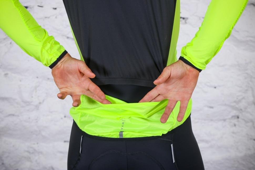 Van Rysel RC 500 Ultralight Windproof Cycling Jacket - pocket hole.jpg
