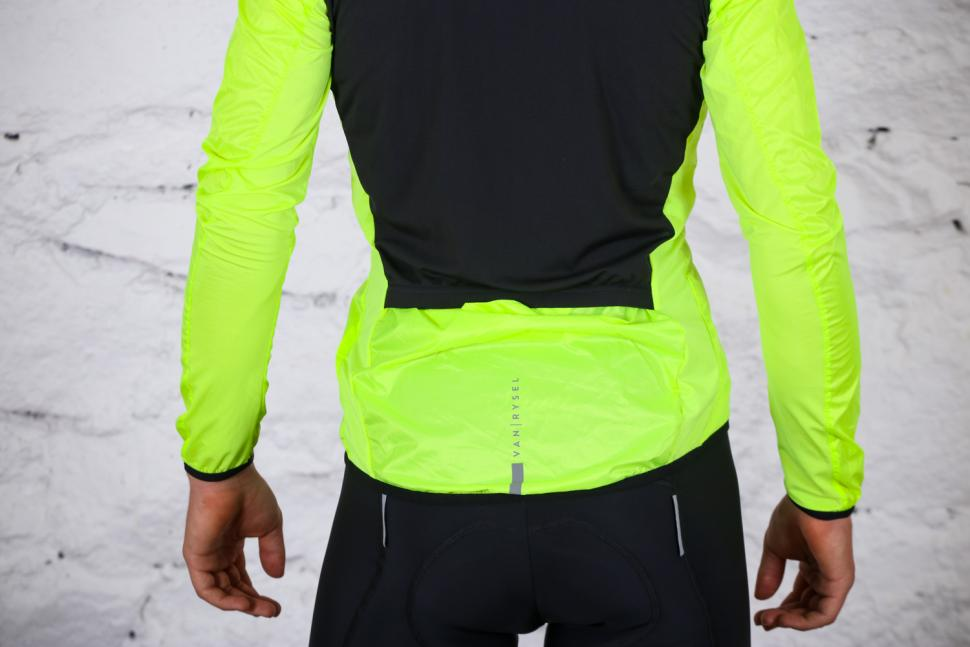 Van Rysel RC 500 Ultralight Windproof Cycling Jacket - tail.jpg