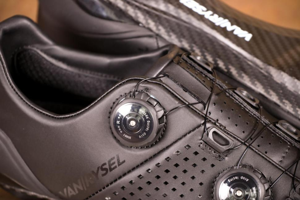 Van Rysel RR 900 Carbon Road Cycling Shoes - dial.jpg
