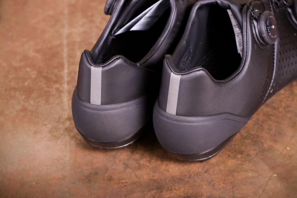 Van Rysel RR 900 Carbon Road Cycling Shoes - heels.jpg