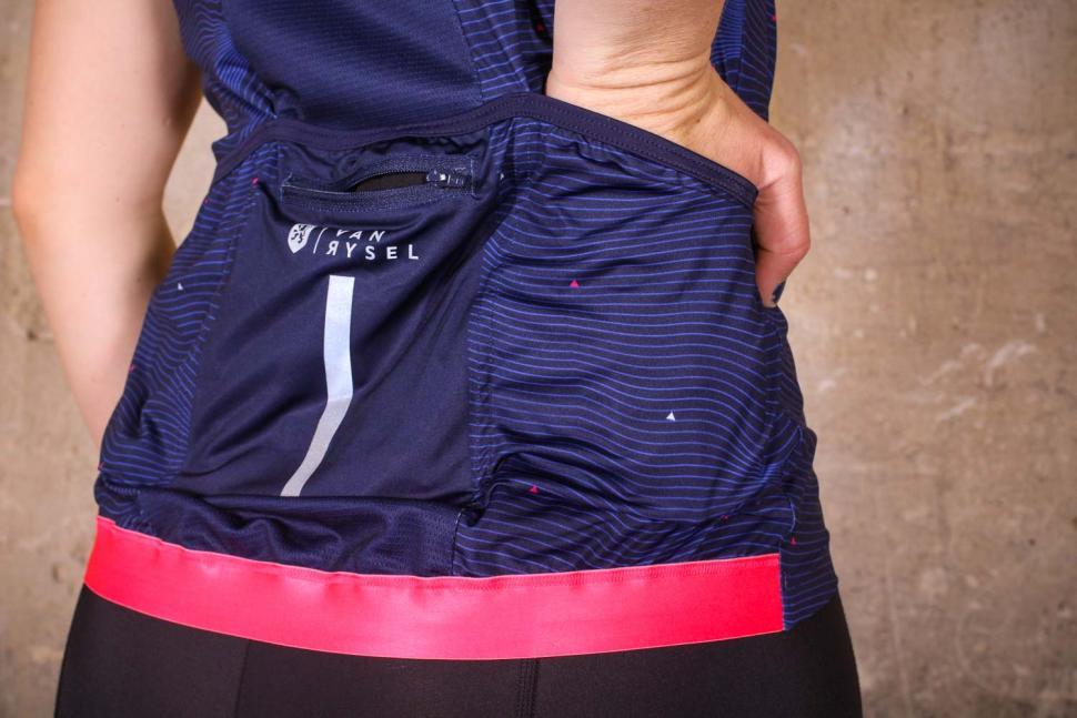 Van Rysel RR 900 Women's Short Sleeve Cycling Jersey - pocket.jpg