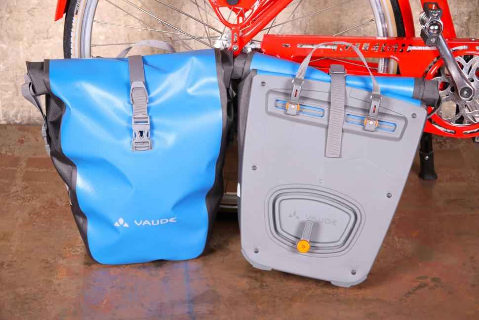 Vaude Aqua Back panniers.jpg