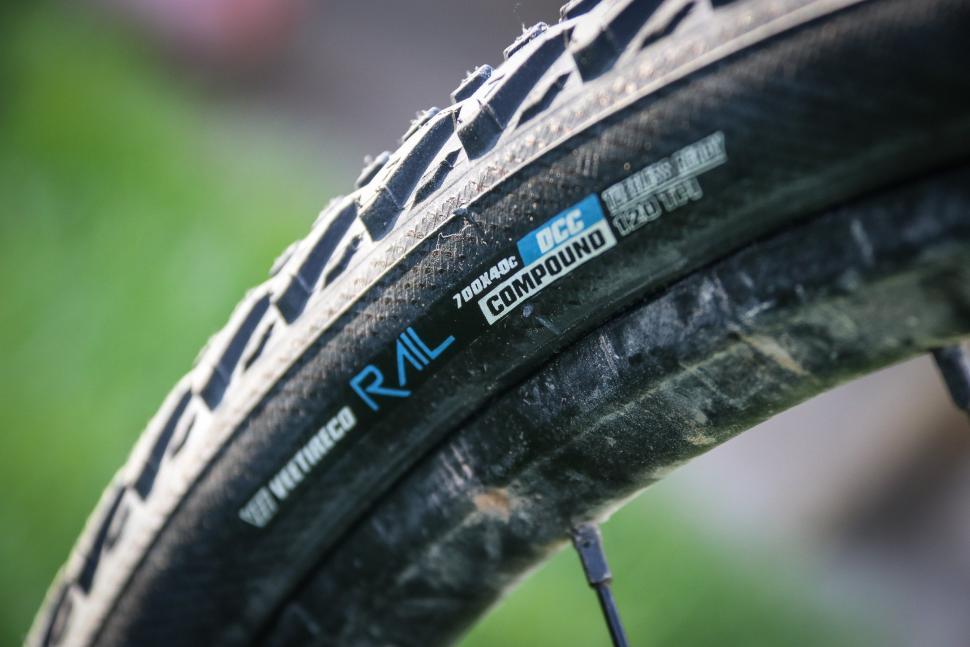 Vee Rail Tyre -2.jpg