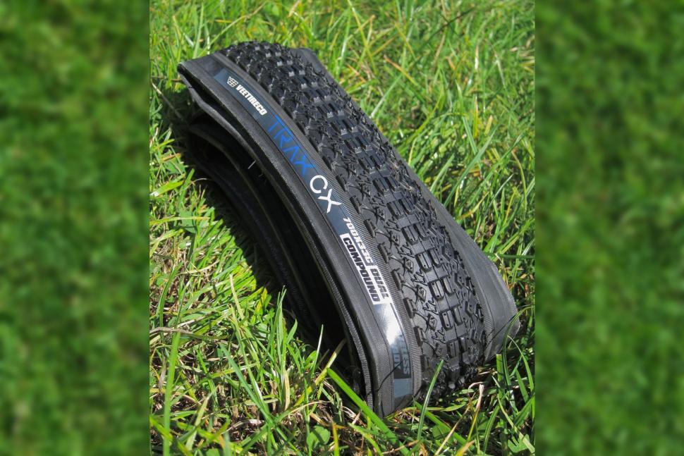 Vee-Tyre-Trax-CX-700-x-33-Tyre.jpg
