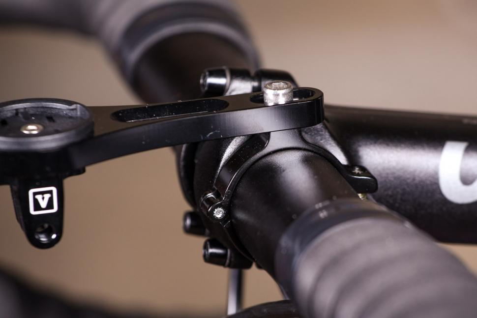 Vel CNC Straight Bar Mount - detail 1.jpg