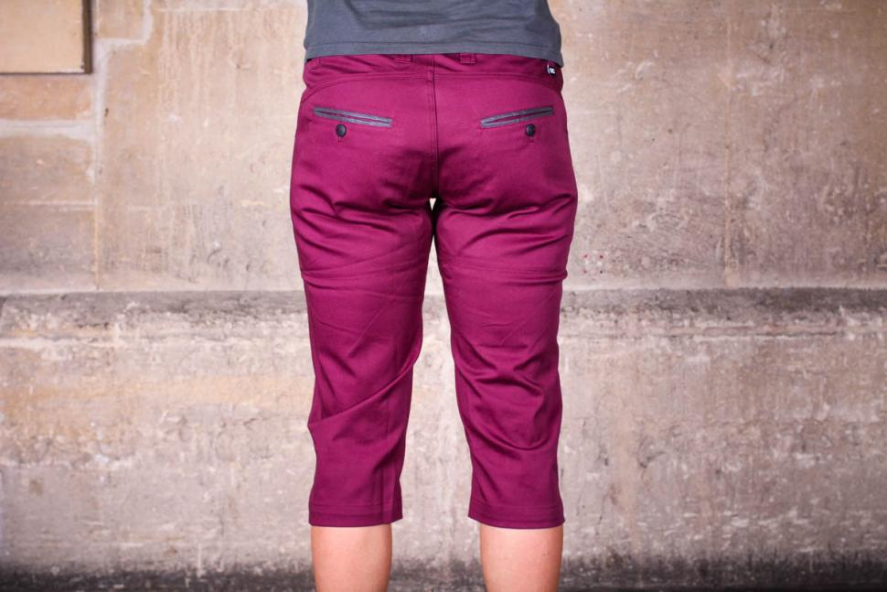 velocity_womens_cycling_capris_-_back.jpg