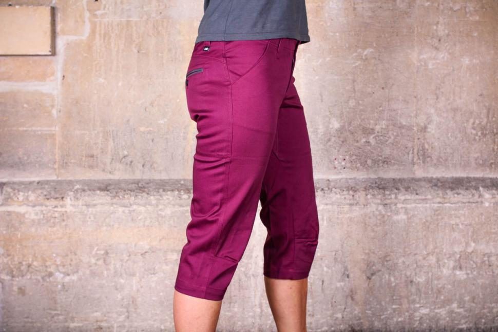 velocity_womens_cycling_capris_-_side.jpg
