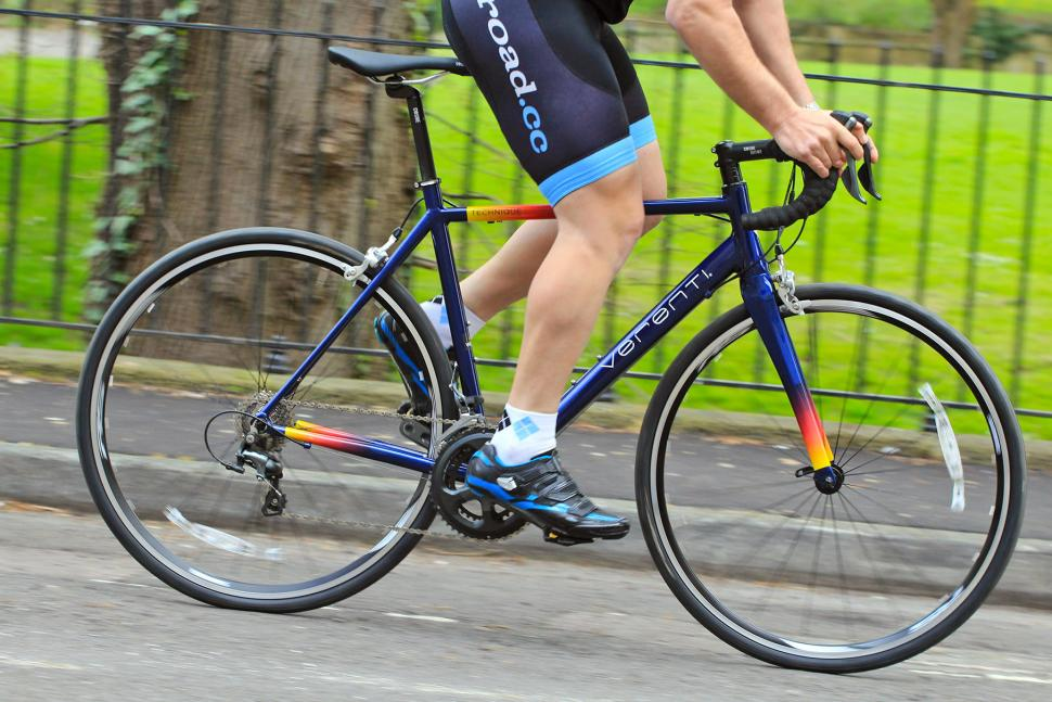 Verenti Technique Tiagra - riding 1.jpg