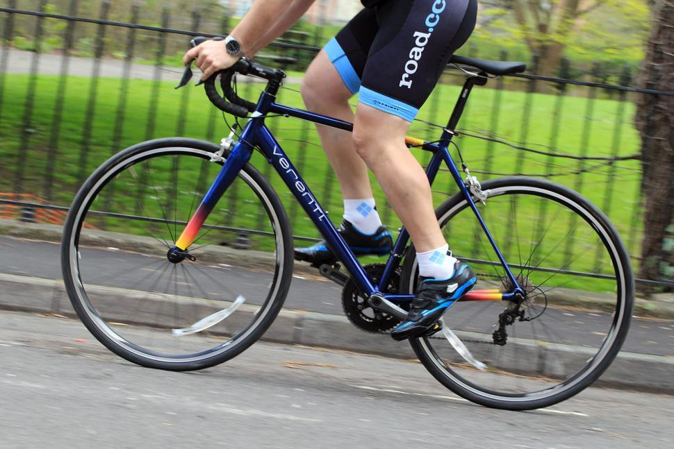 Verenti Technique Tiagra - riding 2.jpg