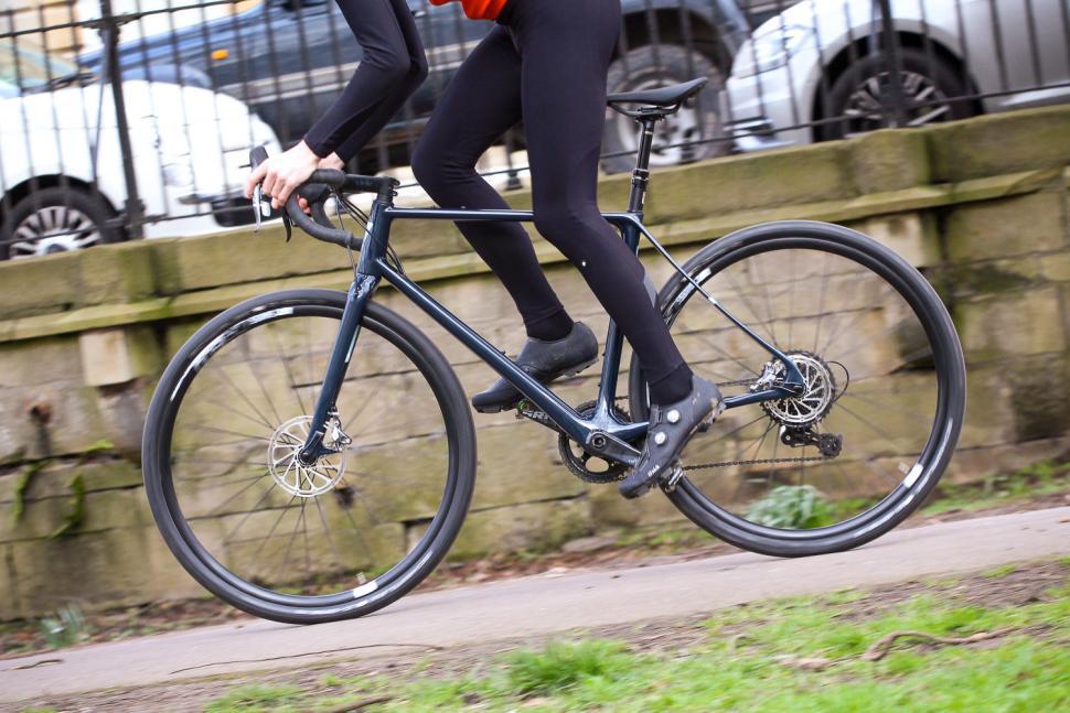 Vielo V+1 - riding 3.jpg