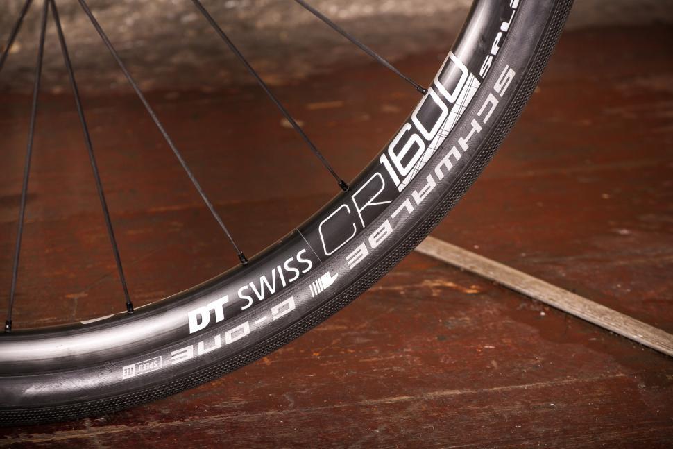 Vielo V+1 - rim and tyre.jpg